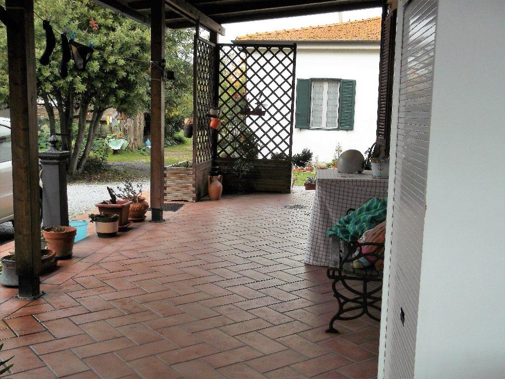 Appartamento in vendita a Livorno, 4 locali, prezzo € 220.000 | CambioCasa.it