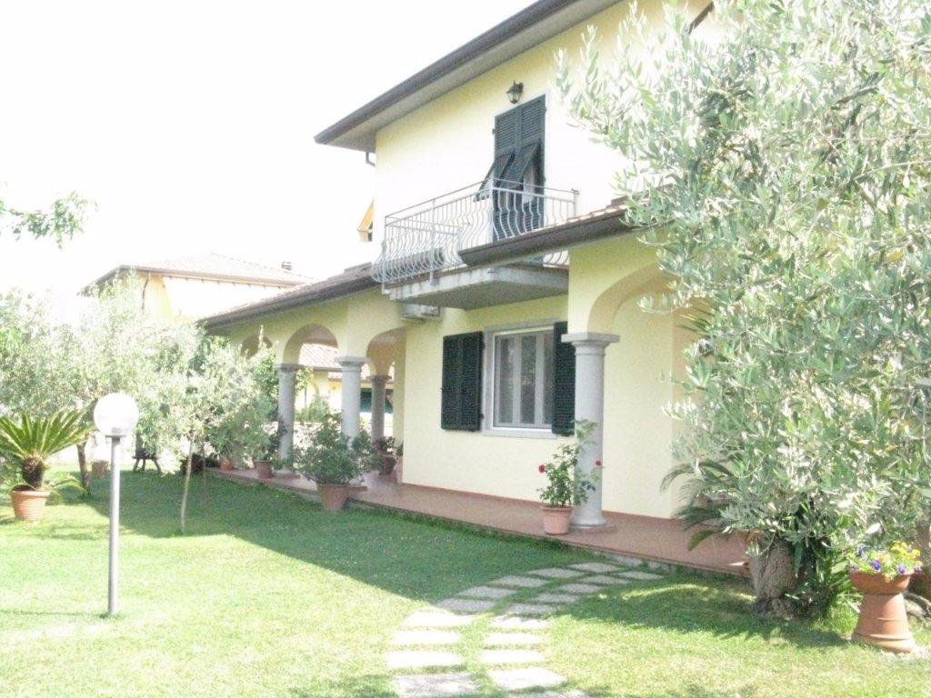 Villetta bifamiliare in vendita a Luni (SP)