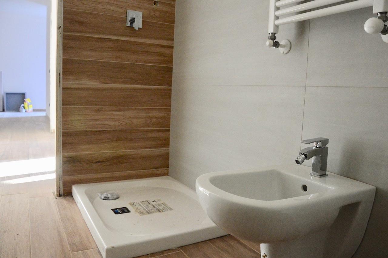 Appartamento in vendita a Montignoso, 5 locali, prezzo € 315.000 | CambioCasa.it