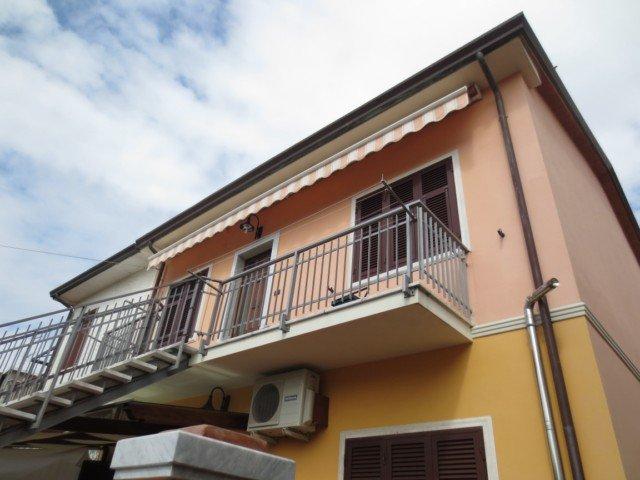 Casa semindipendente in affitto vacanze a Carrara (MS)