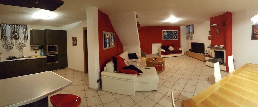 Villa Bifamiliare in vendita a Calcinaia, 8 locali, prezzo € 310.000 | CambioCasa.it