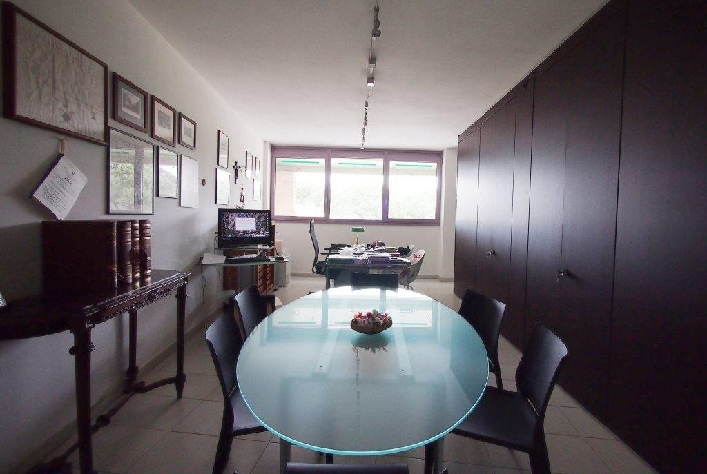 Ufficio / Studio in Vendita a Camaiore