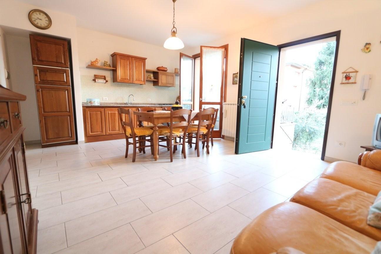 Appartamento in vendita a Buti, 3 locali, prezzo € 153.000 | CambioCasa.it