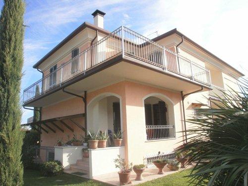 Villetta bifamiliare in vendita a Sant'antonio, Carrara (MS)