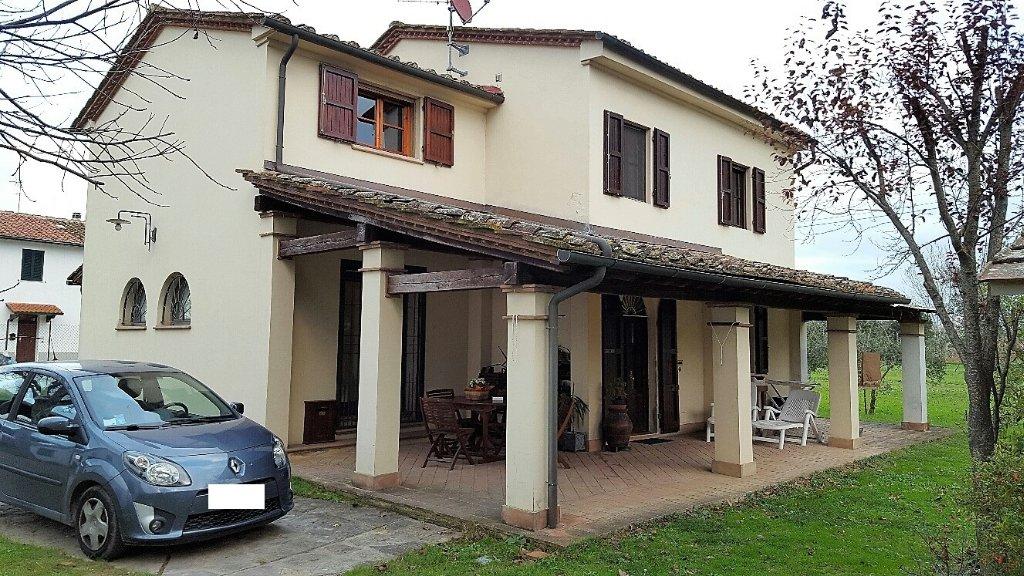 Soluzione Indipendente in vendita a Pontedera, 9 locali, prezzo € 450.000 | Cambio Casa.it