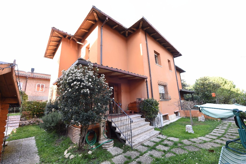 Villetta bifamiliare in vendita a Casole d'Elsa (SI)