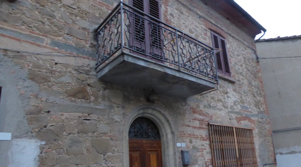 Soluzione Indipendente in vendita a Lamporecchio, 7 locali, prezzo € 150.000 | CambioCasa.it