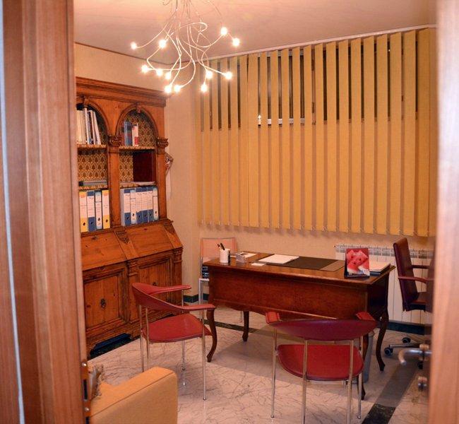 Ufficio in vendita a Marina Di Carrara, Carrara (MS)