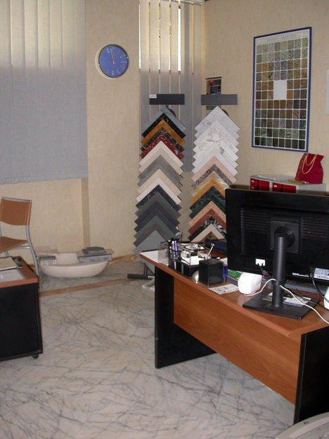 Ufficio / Studio in vendita a Carrara, 2 locali, prezzo € 150.000 | CambioCasa.it