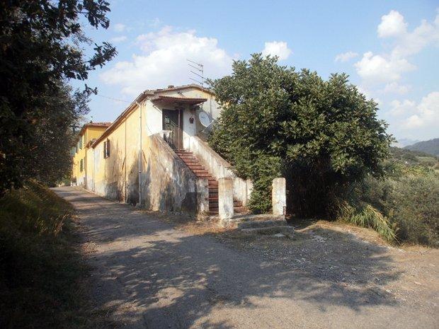 Colonica in vendita a Castelnuovo Magra (SP)