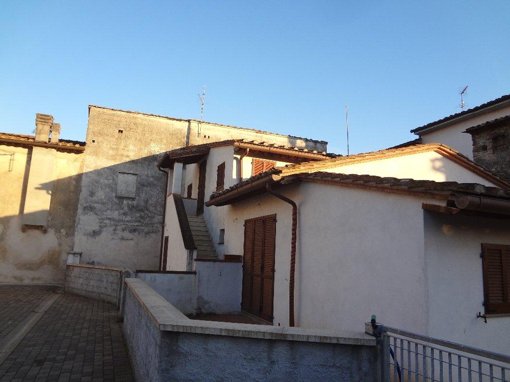 Casa semindipendente in vendita a Buti (PI)