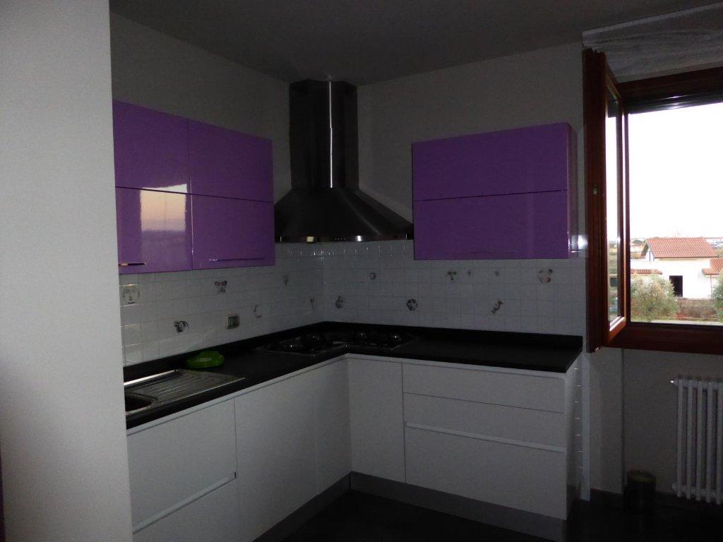 Appartamento in vendita a Larciano, 5 locali, prezzo € 125.000 | Cambio Casa.it