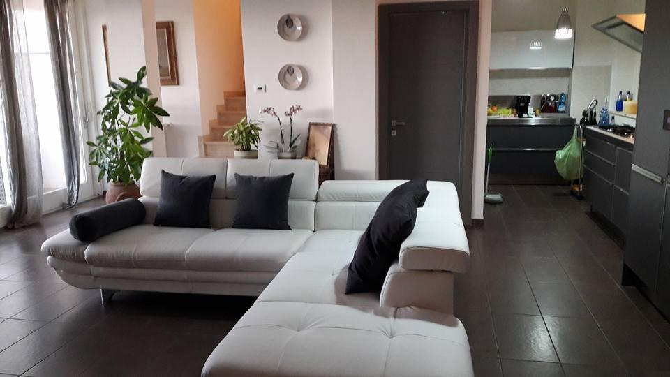 Appartamento in vendita a Livorno, 5 locali, prezzo € 465.000 | CambioCasa.it