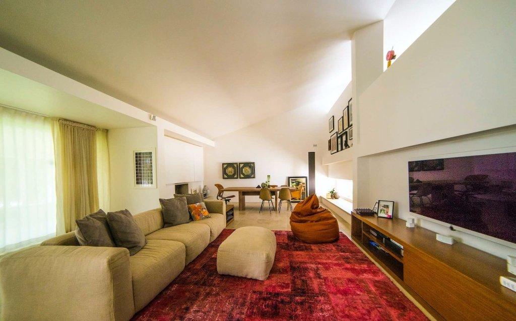 Villa in vendita a Pontedera, 8 locali, prezzo € 1.150.000 | Cambio Casa.it