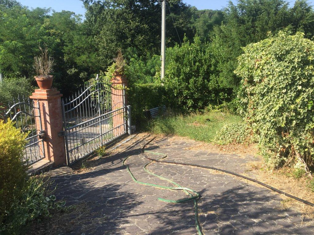 Rustico / Casale in vendita a Santa Maria a Monte, 7 locali, prezzo € 160.000 | Cambio Casa.it
