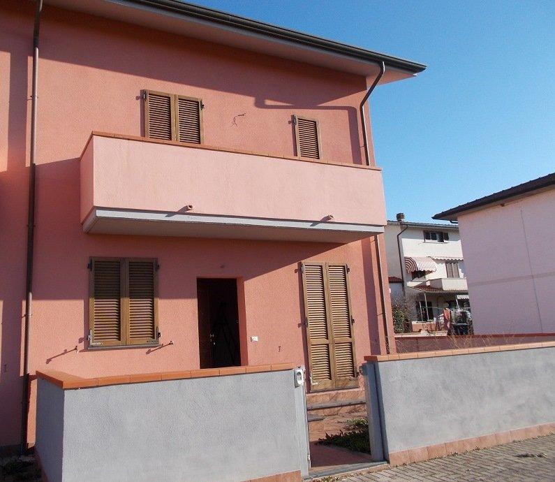 Villetta a schiera a San Giuliano Terme