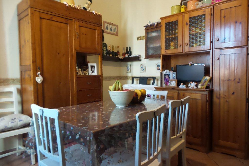 Appartamento in vendita a Montelupo Fiorentino, 3 locali, prezzo € 100.000 | Cambio Casa.it