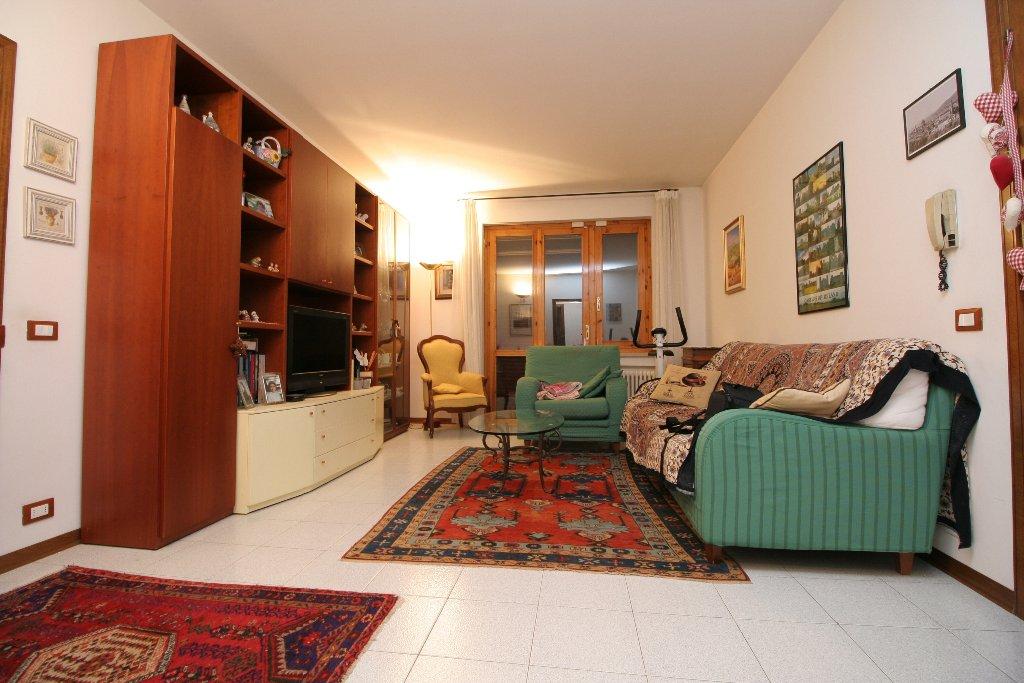 Appartamento in vendita a San Gimignano, 4 locali, prezzo € 235.000 | Cambio Casa.it