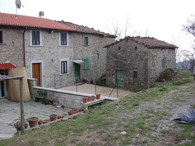 Terratetto in vendita a Villa Basilica (LU)