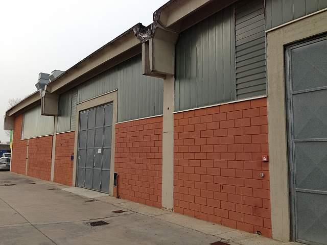 Capannone industriale in locazione a Pontedera (PI)