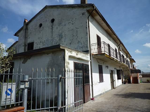 Colonica - Montecalvoli Basso, Santa Maria a Monte (10/19)