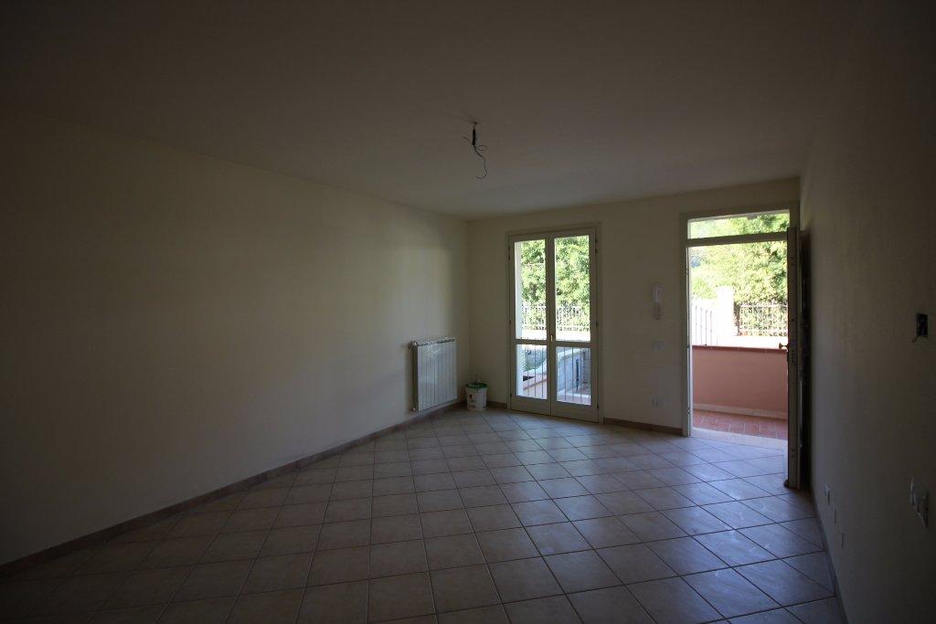 Appartamento in vendita a Buti, 3 locali, prezzo € 105.000   CambioCasa.it