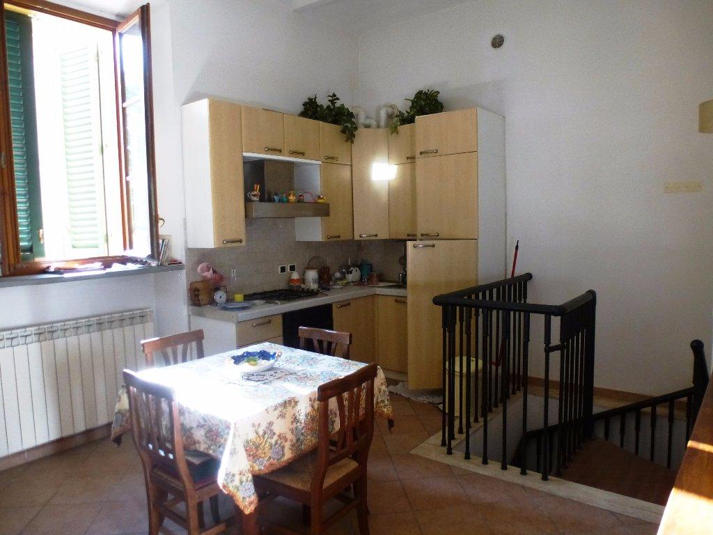 Appartamento in vendita a Poggibonsi, 3 locali, prezzo € 175.000 | CambioCasa.it