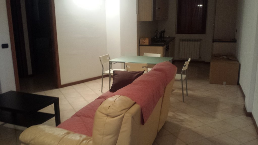 Appartamento in affitto a Ossona, 2 locali, prezzo € 500 | CambioCasa.it