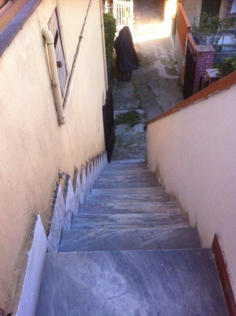 Appartamento in vendita a Montignoso, 4 locali, prezzo € 110.000 | CambioCasa.it
