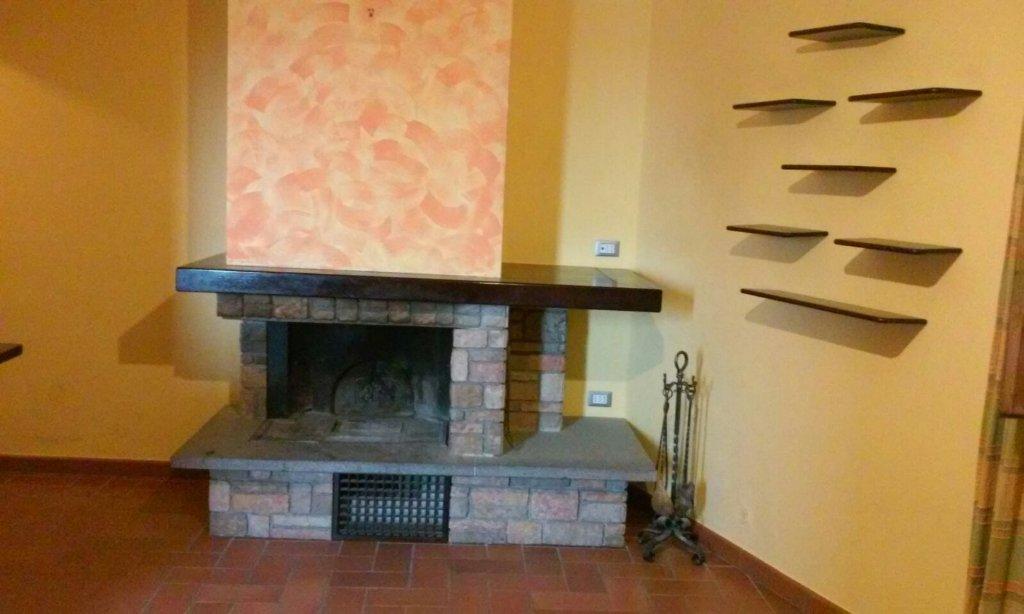 Appartamento in vendita a Peccioli, 3 locali, prezzo € 75.000 | CambioCasa.it