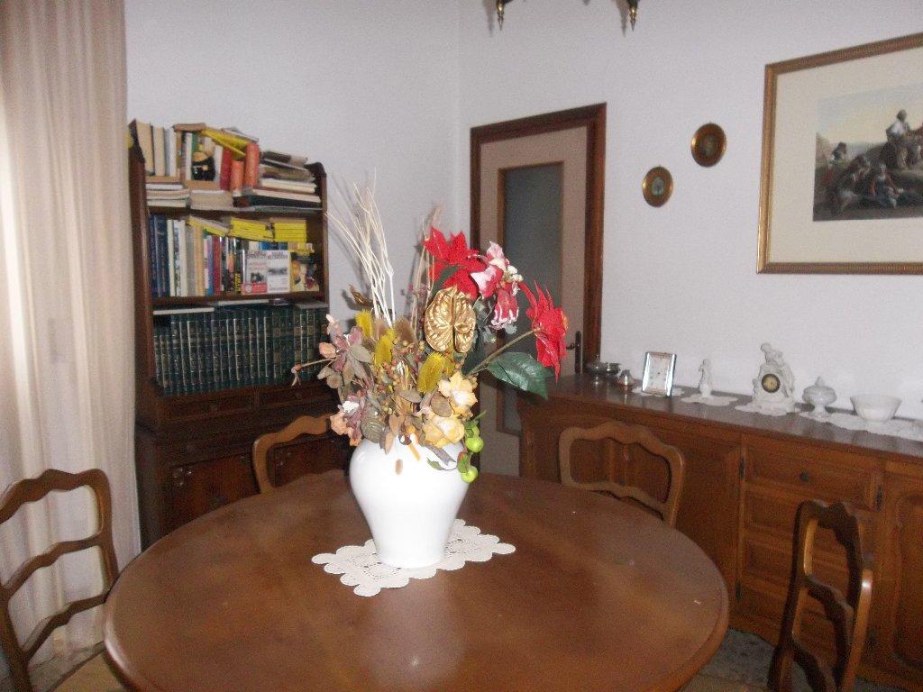 Appartamento in vendita a Ponsacco, 4 locali, prezzo € 75.000 | CambioCasa.it