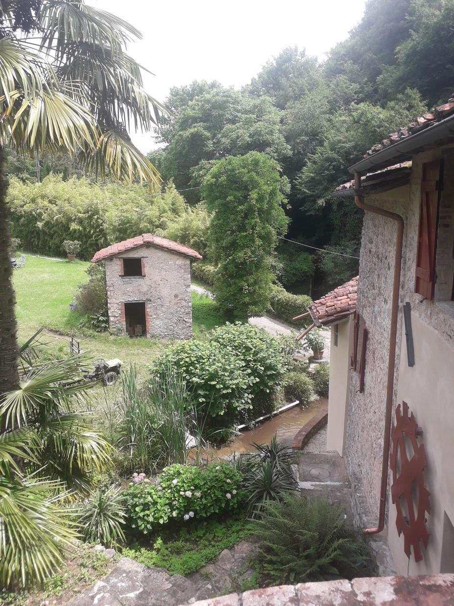 Colonica in vendita - Camaiore