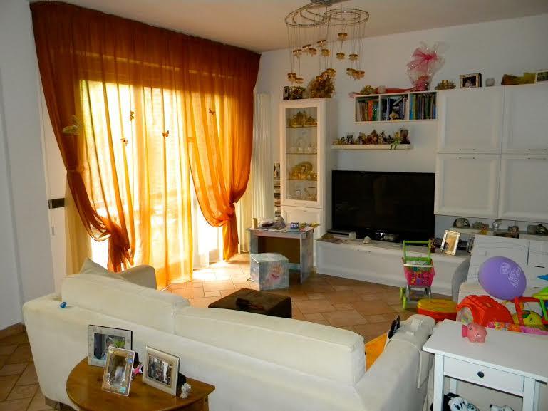 Villa Bifamiliare in vendita a San Giuliano Terme, 6 locali, prezzo € 350.000 | Cambio Casa.it