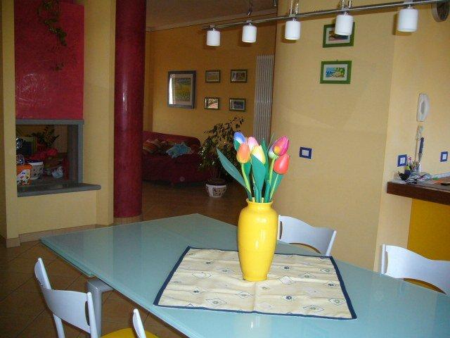 Appartamento in vendita a Ponsacco, 5 locali, prezzo € 155.000 | CambioCasa.it