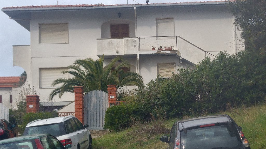 Appartamento in vendita a Rosignano Marittimo, 5 locali, prezzo € 163.000   Cambio Casa.it