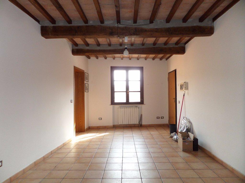 Appartamento in vendita a Vicopisano, 5 locali, prezzo € 150.000 | CambioCasa.it