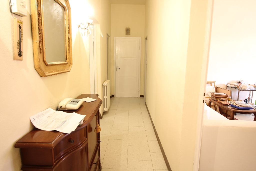 Appartamento in vendita a Pontedera, 5 locali, Trattative riservate | Cambio Casa.it