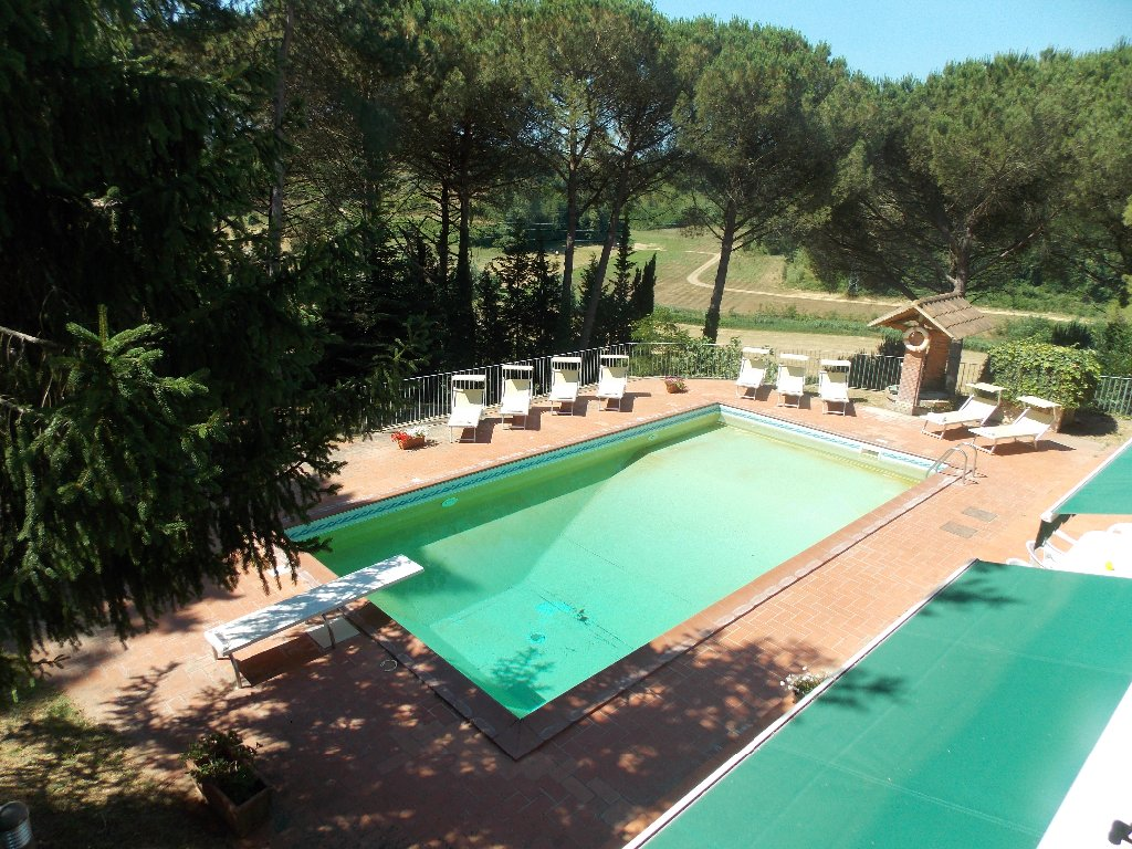 Villa in vendita a Fauglia, 15 locali, prezzo € 500.000   CambioCasa.it