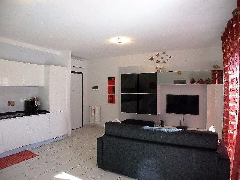 Appartamento in vendita a Rosignano Marittimo, 3 locali, prezzo € 175.000 | Cambio Casa.it