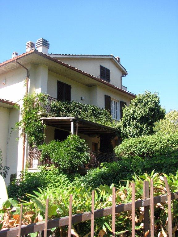 Soluzione Indipendente in vendita a Poggibonsi, 8 locali, prezzo € 490.000 | CambioCasa.it