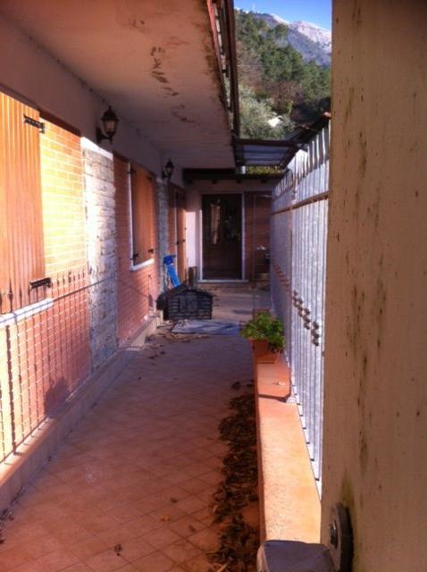 Appartamento in vendita a Montignoso, 4 locali, prezzo € 180.000 | Cambio Casa.it