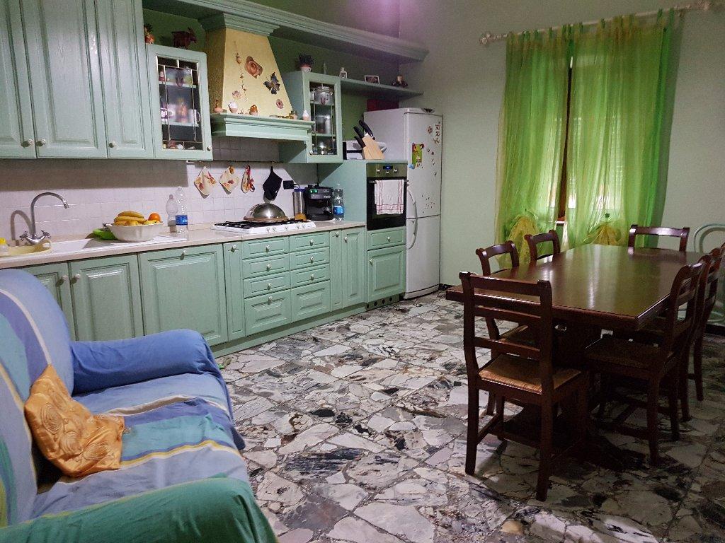Appartamento in vendita a Santa Maria a Monte, 4 locali, prezzo € 115.000 | CambioCasa.it