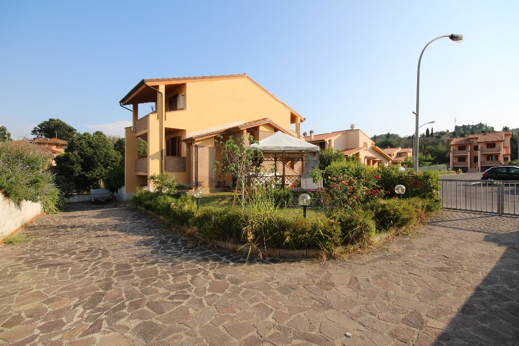Villa in Vendita a Casciana Terme Lari