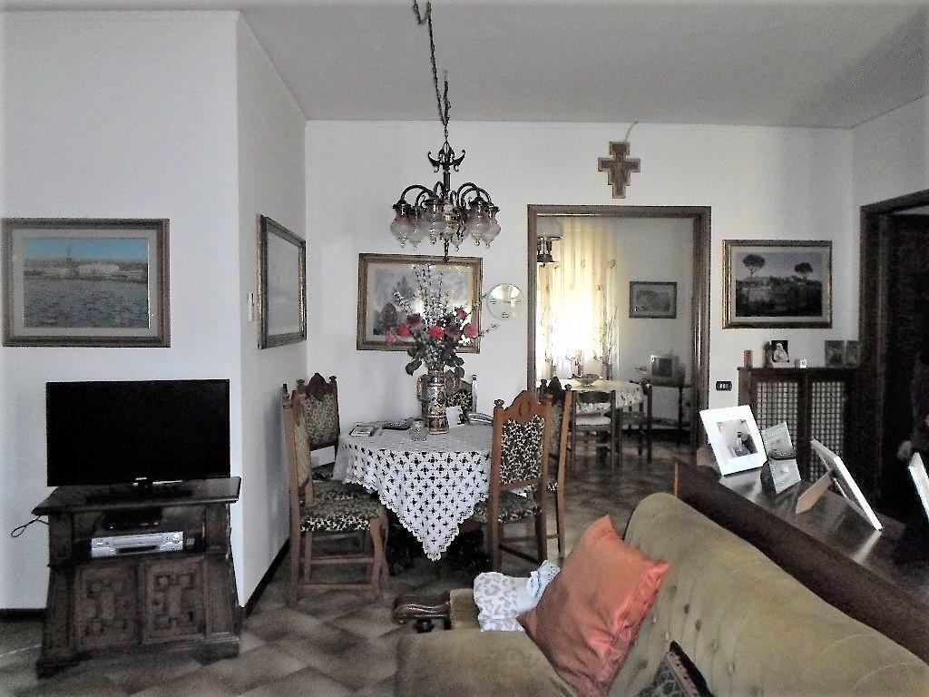 Appartamento in vendita a Fucecchio, 5 locali, prezzo € 180.000 | CambioCasa.it