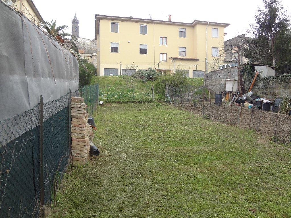 Appartamento in vendita a Peccioli, 4 locali, prezzo € 80.000 | CambioCasa.it