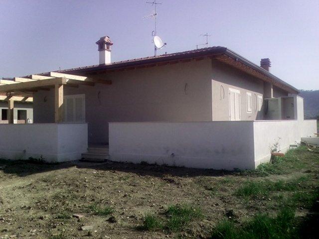 Villa Bifamiliare in vendita a Massarosa, 4 locali, prezzo € 275.000 | Cambio Casa.it