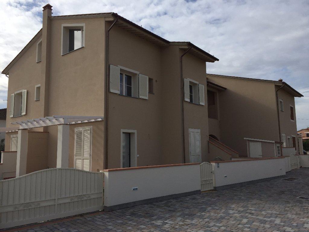 Villetta quadrifamiliare in vendita a Pontedera (PI)