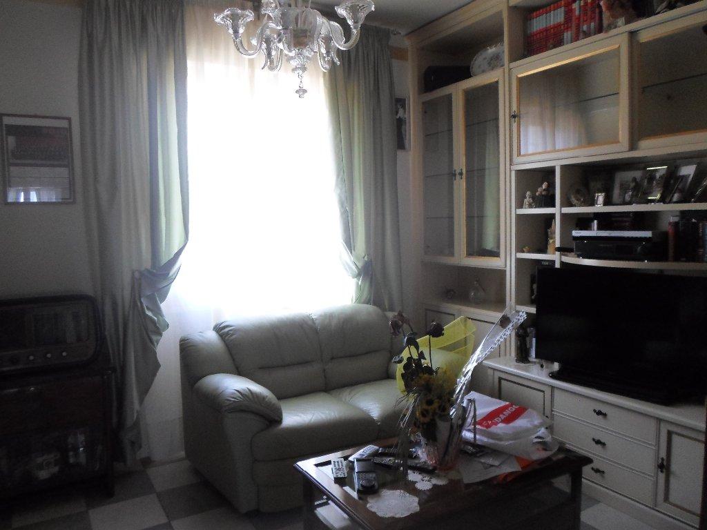 Appartamento in vendita a Fucecchio, 4 locali, prezzo € 120.000 | CambioCasa.it