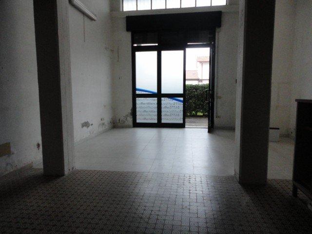 Attività commerciale in vendita a Carrara (MS)