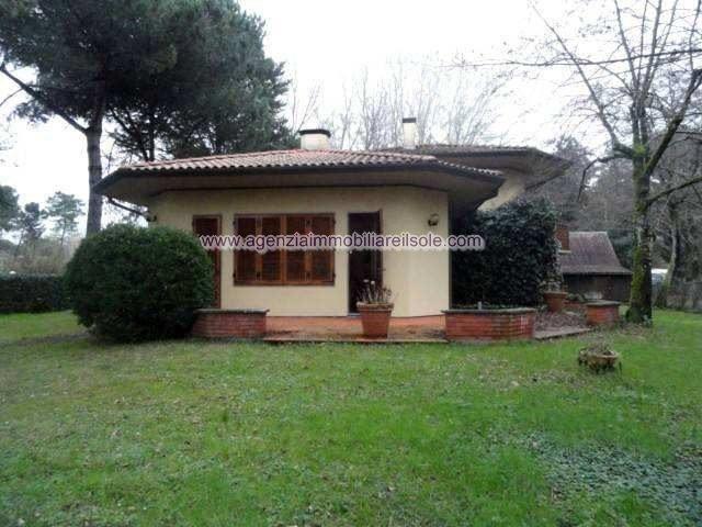 Villa for holiday rentals in Massa